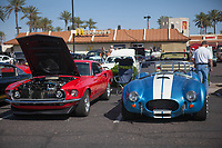 Display of classic cars in a mall in Scottsdale and Phoenix Arizona. Old cars. TEOE through each other's eyes.....<br /> Exhibición de autos clásicos en algún mall de Scottsdale y Phoenix Arizona. Autos viejos. TEOE. through each other's eyes...<br />  (Foto:Luis Gutierrez/NortePhoto.com)