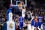 Real Madrid's Anthony Randolph and Anadolu Efes's Deshaun Thomas during Turkish Airlines Euroleague match between Real Madrid and Anadolu Efes at Wizink Center in Madrid, April 07, 2017. Spain.<br /> (ALTERPHOTOS/BorjaB.Hojas)