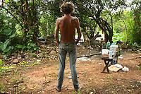 terreno baldio, no centro de Rio Branco (AC), usado por usuários de pasta base de cocaína.<br /> Rio Branco, Acre, Brasil.<br /> Foto Altino Machado