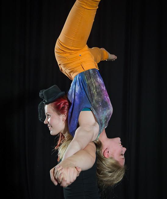 Cirkus cirkör. Elever från cirkusgymnasiet. Botkyrka kommun.