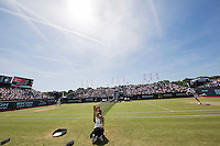 Den Bosch, Netherlands, 09 June, 2016, Tennis, Ricoh Open, Igor Sijsling (NED) on centercourt vs Karlovic (CRO)<br /> Photo: Henk Koster/tennisimages.com
