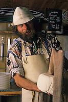 Europe/France/Midi-Pyrénées/09/Ariège/Augirein-couserans: W. Bendick fromager [Non destiné à un usage publicitaire - Not intended for an advertising use]<br /> PHOTO D'ARCHIVES // ARCHIVAL IMAGES<br /> FRANCE 1990