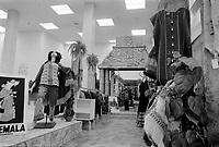 artisanat, Decembre 1972<br /> <br /> PHOTO : Agence Quebec Presse -  Alain Renaud