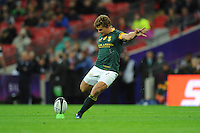 Patrick Lambie of South Africa kicks a conversion attempt during the Killik Cup match between Barbarians and South Africa at Wembley Stadium on Saturday 5th November 2016 (Photo by Rob Munro)