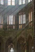 Europe/France/Normandie/Basse-Normandie/50/Manche: Baie du Mont Saint-Michel, classée Patrimoine Mondial de l'UNESCO, Le Mont Saint-Michel: Nef de l'église abbatiale gothique, // Europe/France/Normandie/Basse-Normndie/50/Manche: Bay of Mont Saint Michel, listed as World Heritage by UNESCO,  The Mont Saint-Michel: Nave of the abbey Church,