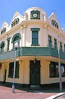 Fremantle: P&O Hotel, NE corner High St. & Mouat. Photo '82.