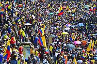 CALI - COLOMBIA, 01-05-2021: Caravanas de manifestantes por las calles de la ciudad de Cali durante la jornada del Día del trabajo en Colombia hoy, 01 de mayode 2021, además se mantiene la protesta por la reforma tributaria que adelanta el gobierno de Ivan Duque además de la precaria situación social y económica que vive Colombia. El paro fue convocado por sindicatos, organizaciones sociales, estudiantes y la oposición y sumando el día del trabano lleva 4 días de marchas y protestas. / Caravans of protesters through the streets of the city of Cali during the day of Labor Day in Colombia today, May 1, 2021, in addition, the protest against the tax reform that the government of Ivan Duque is advancing in addition to the precarious situation is maintained. social and economic life in Colombia. The strike was called by unions, social organizations, students and the opposition and adding the day of labor has 4 days of marches and protests. Photo: VizzorImage / Nelson Rios / Cont