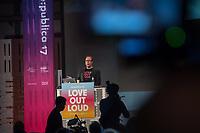 """11. re:publica-Konferenz in Berlin<br /> Vom 8. bis 10. Mai 2017 findet in Berlin die elfte re:publica-Konferenz in Berlin unter dem Motto """"Love Out Loud"""" statt. Die Veranstalter wollen mit dem Motto """"Love Out Loud!"""" (LOL fuer positiv Denkende) ein """"Zeichen fuer Engagement und Emanzipation in der digitalen Gesellschaft setzen"""".<br /> Die Konferenz zum Thema Internet und digitale Gesellschaft bietet auf bis zu 18 Buehnen parallel mehr als 500 Stunden Programm. Ein guter Teil davon dreht sich um netzpolitische Fragestellungen aller Art. Erwartet werden ca. 8.000 Veranstaltungsteilnehmer.<br /> Im Bild: Markus Beckedahl, Redakteur und Mitbetreiber des Nachrichtenmagazin netzpolitik.org, bei seinem netzpolitischen Jahresrueck- und Ausblick. Er praesentiert die positiven und negativen Entwicklungen unserer digitalen Gesellschaft. <br /> 8.5.2017, Berlin<br /> Copyright: Christian-Ditsch.de<br /> [Inhaltsveraendernde Manipulation des Fotos nur nach ausdruecklicher Genehmigung des Fotografen. Vereinbarungen ueber Abtretung von Persoenlichkeitsrechten/Model Release der abgebildeten Person/Personen liegen nicht vor. NO MODEL RELEASE! Nur fuer Redaktionelle Zwecke. Don't publish without copyright Christian-Ditsch.de, Veroeffentlichung nur mit Fotografennennung, sowie gegen Honorar, MwSt. und Beleg. Konto: I N G - D i B a, IBAN DE58500105175400192269, BIC INGDDEFFXXX, Kontakt: post@christian-ditsch.de<br /> Bei der Bearbeitung der Dateiinformationen darf die Urheberkennzeichnung in den EXIF- und  IPTC-Daten nicht entfernt werden, diese sind in digitalen Medien nach §95c UrhG rechtlich geschuetzt. Der Urhebervermerk wird gemaess §13 UrhG verlangt.]"""