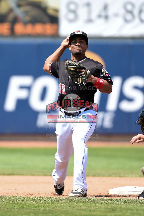 Erie SeaWolves second baseman Marcus Lemon (39) throws to first during a game against the Akron RubberDucks on May 18, 2014 at Jerry Uht Park in Erie, Pennsylvania.  Akron defeated Erie 2-1.  (Mike Janes/Four Seam Images)