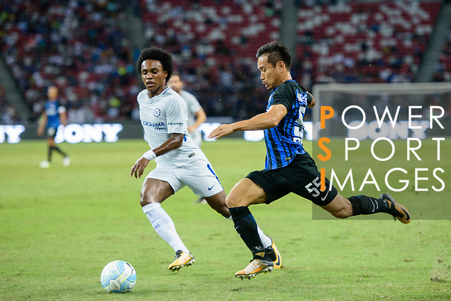 FC Internazionale Defender Yuto Nagatomo (R) fights for the ball with Chelsea Midfielder Willian da Silva during the International Champions Cup 2017 match between FC Internazionale and Chelsea FC on July 29, 2017 in Singapore. Photo by Weixiang Lim / Power Sport Images