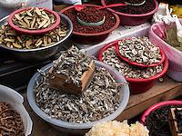 Verkauf von traditioneller Medizin beim Tempel Heinsa nahe Daegu, Provinz Gyeongsangnam-do, Südkorea, Asien<br /> traditional medicine at temple heinsa near Daegu,  province Gyeongsangbuk-do, South Korea, Asia