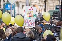 """Demostration unter dem Motto """"Inklusion statt Selektion"""" mit Menschen mit Down-Syndrom am Mittwoch den 10. April 2019 in Berlin.<br /> Einen Tag vor der Debatte im Deutschen Bundestag ueber den Nutzen nichtinvasiver Bluttests zur Diagnose von Trisomien wie etwa dem Down-Syndrom und die Einfuehrung eines solchen Test auf Kosten der Krankenkassen demonstrierten mehrere hundert Menschen gegen diese Debatte. Unter ihnen viele Betroffene, Elter wie Kinder, die vom Downsyndrom betroffen sind.<br /> 10.4.2019, Berlin<br /> Copyright: Christian-Ditsch.de<br /> [Inhaltsveraendernde Manipulation des Fotos nur nach ausdruecklicher Genehmigung des Fotografen. Vereinbarungen ueber Abtretung von Persoenlichkeitsrechten/Model Release der abgebildeten Person/Personen liegen nicht vor. NO MODEL RELEASE! Nur fuer Redaktionelle Zwecke. Don't publish without copyright Christian-Ditsch.de, Veroeffentlichung nur mit Fotografennennung, sowie gegen Honorar, MwSt. und Beleg. Konto: I N G - D i B a, IBAN DE58500105175400192269, BIC INGDDEFFXXX, Kontakt: post@christian-ditsch.de<br /> Bei der Bearbeitung der Dateiinformationen darf die Urheberkennzeichnung in den EXIF- und  IPTC-Daten nicht entfernt werden, diese sind in digitalen Medien nach §95c UrhG rechtlich geschuetzt. Der Urhebervermerk wird gemaess §13 UrhG verlangt.]"""