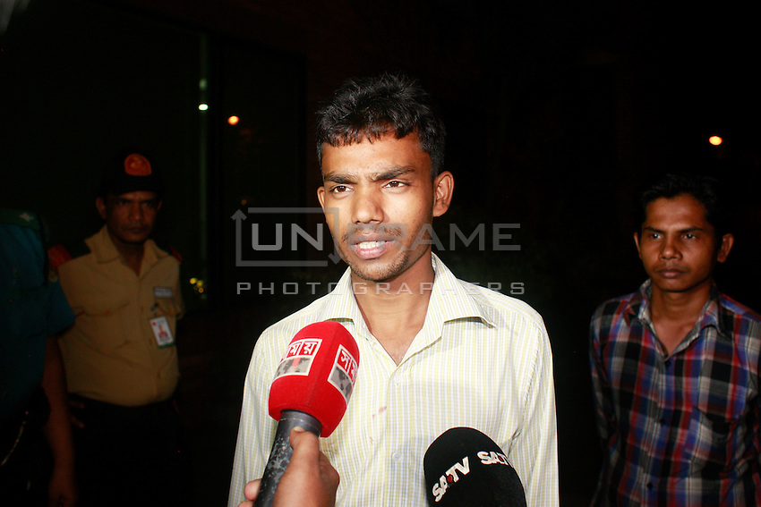 Mohammad Billal, 28, who rescued the Italian citizen Tavela Cissera, 50, and took him to the hospital talks to media at a local hospital in Dhaka.  On September 28, 2015, evening, Italian citizen was shot to dead by unknown assailants in the capital's Gulshan diplomatic zone, Dhaka, Bangladesh.