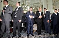 Il presidente egiziano Mohamed Morsi, al centro, prega nella Grande Moschea di Roma, 14 settembre 2012..Egyptian President Mohamed Morsi, center, prays inside the Great Mosque in Rome, 14 September 2012..UPDATE IMAGES PRESS/Riccardo De Luca