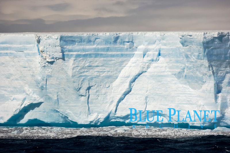 tabular iceberg, Southern Ocean