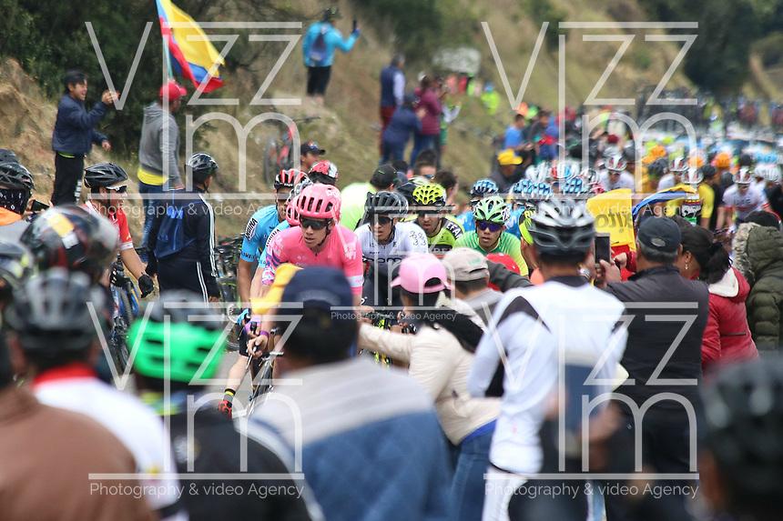 EL VERJON - COLOMBIA, 16-02-2020: Un pelotón de ciclistas durante la sexta etapa del Tour Colombia 2.1 2020 con un recorrido de 182,6 km que se corrió entre Zipaquirá y El Once Verjón, Cundinamarca. / A group of riders during the sixth stage of 182,6 km as part of Tour Colombia 2.1 2020 that ran between Zipaquira and El Once Verjon, Cundinamarca.  Photo: VizzorImage / Darlin Bejarano / Cont