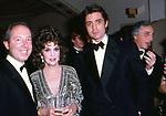 GINA LOLLOBRIGIDA CON CARLO GIOVANELLI E ROFFREDO GAETANI D'ARAGONA LOVATELLI  - PREMIO THE BEST HOTEL THE PIERRE NEW YORK 1985