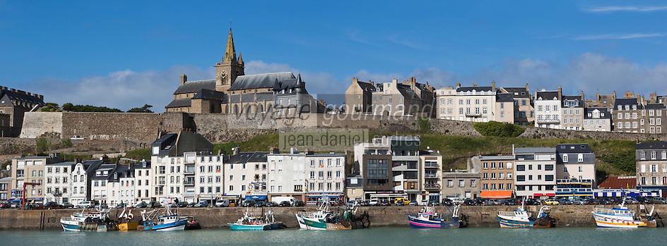 Europe/France/Basse-Normandie/50/Manche/Granville: Le port de pêche et l'église Notre-Dame-du-Cap-Lihou