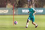 22.09.2020, Trainingsgelaende am wohninvest WESERSTADION - Platz 12, Bremen, GER, 1.FBL, Werder Bremen Training<br /> <br /> Milot Rashica (Werder Bremen #07)<br />  ,Ball am Fuss, <br /> Einzelaktion, Ganzkörper / Ganzkoerper <br /> Querformat<br /> <br /> <br /> <br /> Foto © nordphoto / Kokenge