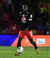BOGOTA-COLOMBIA, 21-02-2020: Luis Paz de America de Cali en acción durante partido de la fecha 6 entre Independiente Santa Fe y America de Cali, por la Liga BetPLay DIMAYOR I 2020, en el estadio Nemesio Camacho El Campin de la ciudad de Bogota. / Luis Paz of America de Cali in action during a match of the 6th date between Independiente Santa Fe and America de Cali, for the BetPlay DIMAYOR I Leguaje 2020 at the Nemesio Camacho El Campin Stadium in Bogota city. / Photo: VizzorImage / Luis Ramirez / Staff.