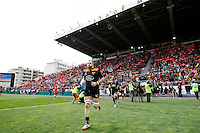 Photo: Richard Lane/Richard Lane Photography. RC Toulon v Wasps.  European Rugby Champions Cup Quarter Final. 05/04/2015.Wasps' James Haskell leads the team out.