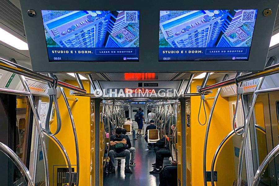 Anuncio de lançamento Imobiliario no Metrô, Transporte metroviario. Sao Paulo. 2020. Foto Juca Martins