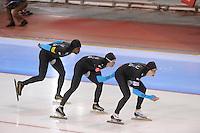 SCHAATSEN: SALT LAKE CITY: Utah Olympic Oval, 16-11-2013, Essent ISU World Cup, Team Pursuit, Shani Davis, Jonathan Kuck, Brian Hansen (USA), ©foto Martin de Jong
