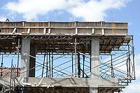 BOGOTÁ-COLOMBIA-06-01-2013. Edificio en construcción./ Building construction.  Photo: VizzorImage/STR