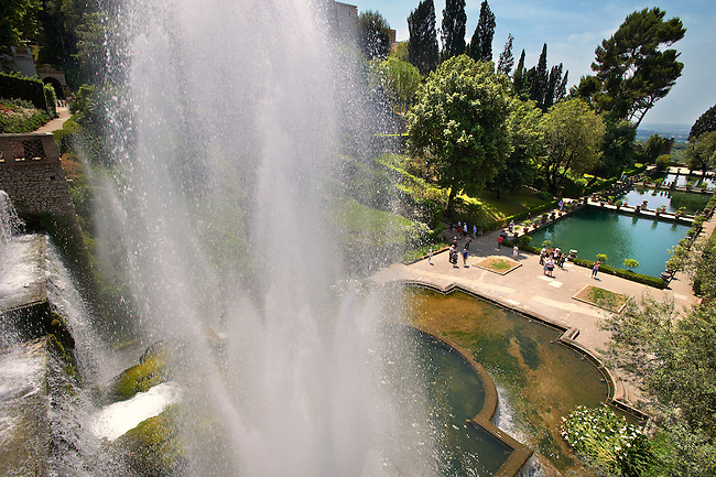 View of the water jets of the Organ fountain, 1566, housing organ pipies driven by air from the fountains. Villa d'Este, Tivoli, Italy - Unesco World Heritage Site.