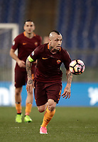 Calcio, Serie A: Roma, stadio Olimpico, 1 aprile, 2017.<br /> Roma's Radja Nainggolan in action during the Italian Serie A football match between Roma and Empoli at Olimpico stadium, April 1, 2017<br /> UPDATE IMAGES PRESS/Isabella Bonotto
