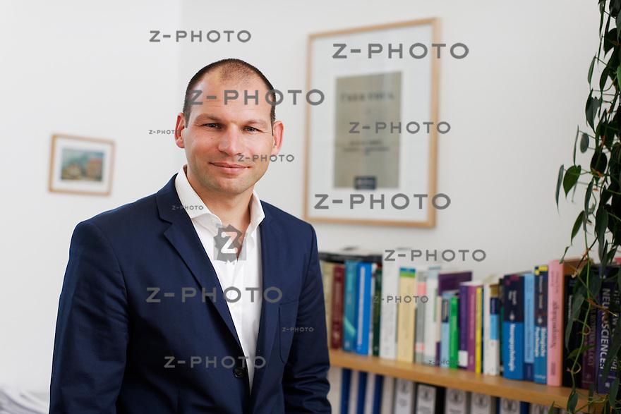 Interview mit Ass.-Prof. Dr. rer. nat. Boris B. Quednow an der  Psychiatrische Universitaetsklinik Zuerich an der Lenggstrasse 31 in Zuerich am 8. September 2011..Copyright © Zvonimir Pisonic