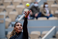 28th September 2020, Roland Garros, Paris, France; French Open tennis, Roland Garros 2020;   Serena WILLIAMS USA serves during her match against Kristie AHN USA in the Philippe Chatrier court on the first round of the French Open