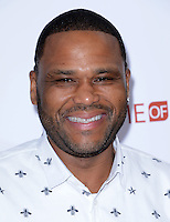 Anthony Anderson @ the premiere of 'Barber Shop The Next Cut' held @ the Chinese theatre.<br /> April 6, 2016