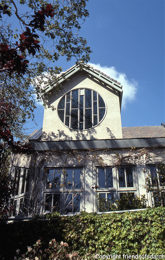 St. Matthew's Church in Pacific Palisades. Designed by Moore Ruble Yudell. Late Modern design completed in 1983.Photo July 1991.