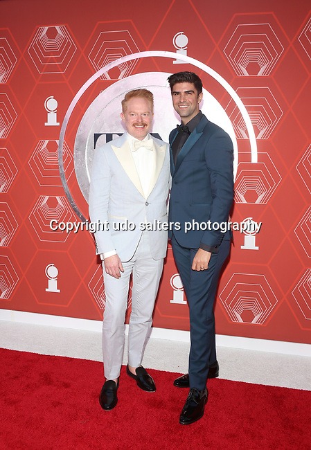 Jesse Tyler Ferguson and Justin Mikita attend the 74th Tony Awards-Broadway's Back! arrivals at the Winter Garden Theatre in New York, NY, on September 26, 2021.
