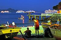 Colônia de pesca do Posto Seis. Copacabana. Rio de Janeiro. 2007. Foto de Rogério Reis.