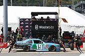 NASCAR Xfinity Series<br /> ToyotaCare 250<br /> Richmond International Raceway, Richmond, VA USA<br /> Saturday 29 April 2017<br /> Matt Tifft, Wastebits Toyota Camry pit stop<br /> World Copyright: Matthew T. Thacker<br /> LAT Images<br /> ref: Digital Image 17RIC1mt1509