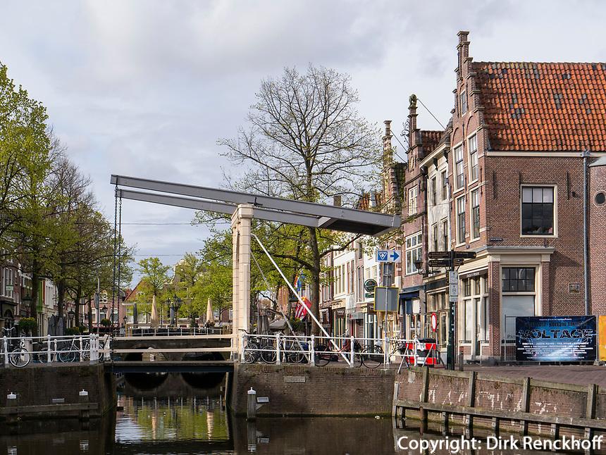 Gracht in Alkmaar, Provinz Nordholland, Niederlande<br /> Gracht in Alkmaar, Province North Holland, Netherlands