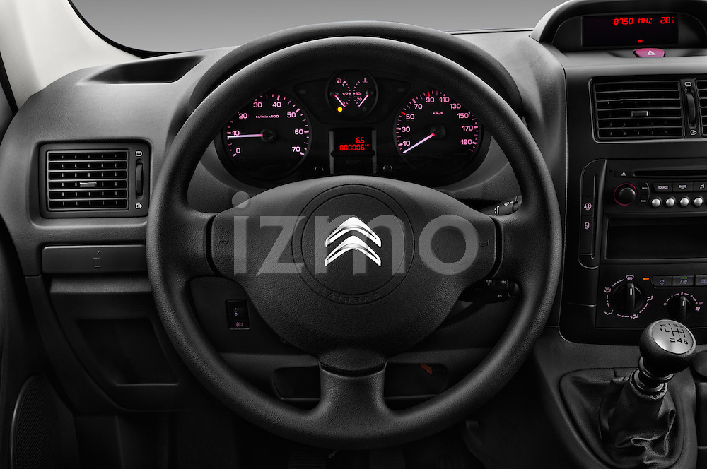 Car pictures of steering wheel view of a 2015 Citroen JUMPY-MULTISPACE Attraction-l2h1 5 Door Combi Steering Wheel