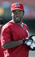 Marlon Anderson of the Philadelphia Phillies before a 2002 MLB season game against the Los Angeles Dodgers at Dodger Stadium, in Los Angeles, California. (Larry Goren/Four Seam Images)