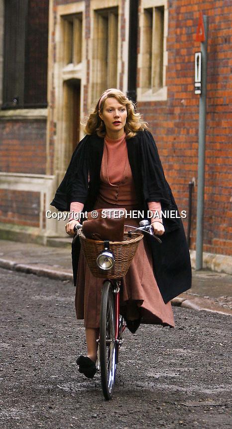 PHOTO BY © STEPHEN DANIELS<br /> GWYNETH PLATROW FILMING IN CAMBRIDGE