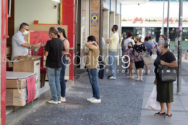 Campinas (SP), 01/08/2020 - Comércio-SP - Movimentação na região central de Campinas, interior de São Paulo, neste sábado (01). Primeiro sábado de comércio aberto pós flexibilização da quarentena.