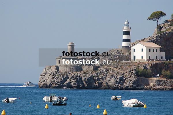 Lighthouses of Puerto de Soller<br /> <br /> Faros de Puerto de Sóller (Port Soller)<br /> <br /> Leuchttürme von Puerto de Sóller<br /> <br /> 3008 x 2000 px<br /> 150 dpi: 50,94 x 33,87 cm<br /> 300 dpi: 25,47 x 16,93 cm