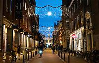 Nederland Amsterdam - December 2018. De Nieuwe Spiegelstraat. Straatje met veel antiekwinkels. Foto Berlinda van Dam / Hollande Hoogte