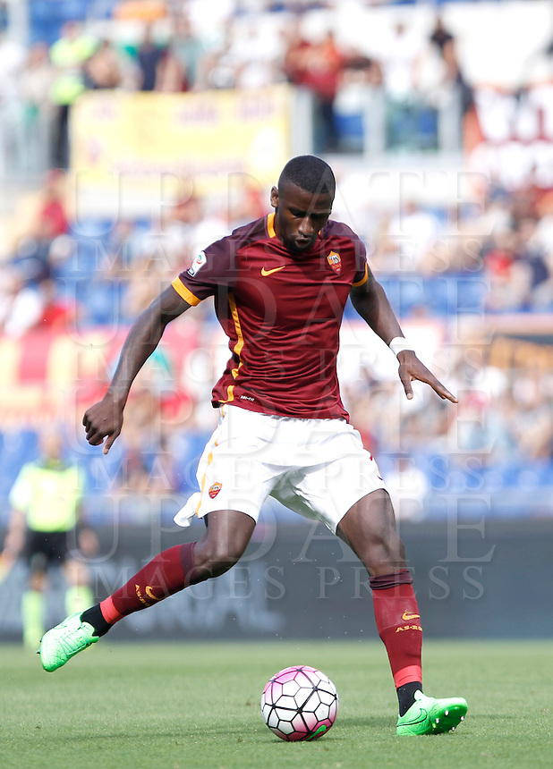 Calcio, Serie A: Roma vs Sassuolo. Roma, stadio Olimpico, 20 settembre 2015.<br /> Roma's Antonio Ruediger in action during the Italian Serie A football match between Roma and Sassuolo at Rome's Olympic stadium, 20 September 2015.<br /> UPDATE IMAGES PRESS/Isabella Bonotto