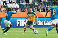 Fifa Women's World Cup Germany 2011 : Brazil - Australia  at Borussia - Park in Munchengladbach : Caitlin Foord aan de bal voor Ester (links) en Formiga..foto DAVID CATRY / Vrouwenteam.be