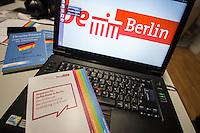 Eroeffnung des ersten Willkommen-in-Arbeit-Bueros fuer Fluechtlinge in der Sammelunterkunf im Gebaeude des ehemaligen Flughafen Tempelhof.<br /> Die Willkommen-in-Arbeit-Bueros werden vor Ort in den Sammelunterkuenften fuer Gefluechtete eingerichtet und koordinieren Beratungsangebote fuer Ausbildung und Beschaeftigung des Landes Berlin, wie Integrationslotsinnen und -lotsen, Bildungsberaterinnen und -berater und Sozialarbeiterinnen und Sozialarbeiter der Unterkuenfte, aber auch Angebote der Bundesagentur für Arbeit.<br /> Eröffnet wurde das Willkommen-in-Arbeit-Buero unter anderem durch die Buergermeisterin und Senatorin fuer Arbeit, Integration und Frauen Dilek Kolat und dem Integrationsbeauftragten des Senats Andreas Germershausen.<br /> 27.1.2016, Berlin<br /> Copyright: Christian-Ditsch.de<br /> [Inhaltsveraendernde Manipulation des Fotos nur nach ausdruecklicher Genehmigung des Fotografen. Vereinbarungen ueber Abtretung von Persoenlichkeitsrechten/Model Release der abgebildeten Person/Personen liegen nicht vor. NO MODEL RELEASE! Nur fuer Redaktionelle Zwecke. Don't publish without copyright Christian-Ditsch.de, Veroeffentlichung nur mit Fotografennennung, sowie gegen Honorar, MwSt. und Beleg. Konto: I N G - D i B a, IBAN DE58500105175400192269, BIC INGDDEFFXXX, Kontakt: post@christian-ditsch.de<br /> Bei der Bearbeitung der Dateiinformationen darf die Urheberkennzeichnung in den EXIF- und  IPTC-Daten nicht entfernt werden, diese sind in digitalen Medien nach §95c UrhG rechtlich geschuetzt. Der Urhebervermerk wird gemaess §13 UrhG verlangt.]