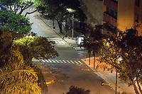 CALI - COLOMBIA, 23-03-2020: Calles de Cali vacías durante la cuarentena total en el territorio colombiano causada por la pandemia  del Coronavirus, COVID-19 / empty street of Cali during the total quarantine in Colombian territory caused by the Coronavirus pandemic, COVID-19. Photo: VizzorImage / Gabriel Aponte / Staff