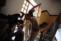 Lavoratori dello spettacolo durante la riprese di Casa Coop.Workers in the entertainment during the filming of House Coop..CASA COOP è una sit-com, prodotta dalla Coop, sulla vita quotidiana di persone di varia umanità, ambientata in un condominio. Gli episodi saranno diffusi via internet.HOUSE COOP is a sit-com produced by the Coop, about daily life of people with different  humanity , that live in a condominium. Episodes will be disseminated by Internet. ...