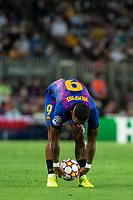 14th September 2021: Nou Camp, Barcelona, Spain: ECL Champions League football, FC Barcelona versus Bayern Munich: 9 Memphis Depay FCBarcelona player sets up a direct free kick
